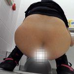 和式トイレ盗撮動画!美しき乙女の丸いお尻最前線!