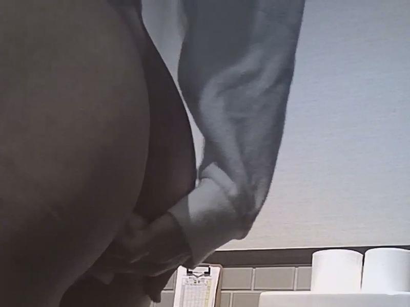 【正面35度からの刺客】洋式8人1時間超! 立って拭く派のお嬢たち