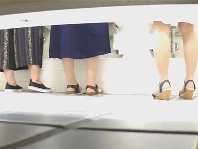 初っ端から特大捻り!洗面所15名の盗撮【教師たちの嗜み Vol.01】
