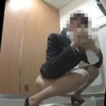 美人OLの痴態丸出しトイレ覗き見!