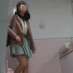美しい日本の未来221 童顔な可愛い子の和式トイレ姿はたまらない・・・
