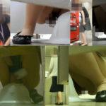 若いOL4名と熟女OL6名 和式トイレ前撮り